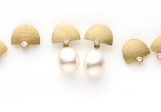 18ct gold stud earrings with diamonds and freshwater pearl drops