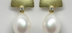18ct gold earrings with diamonds and freshwater pearl drops. Also available in 18ct white gold or silver.