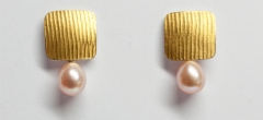 24ct gold & silver bimetal earrings with natural colour freshwater pearl