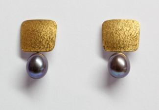 24ct gold & silver bimetal earrings with peacock freshwater pearl