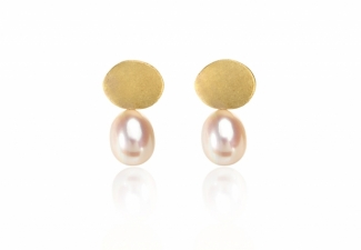 Luscious freshwater pearl drops swing from textured 18ct gold studs.