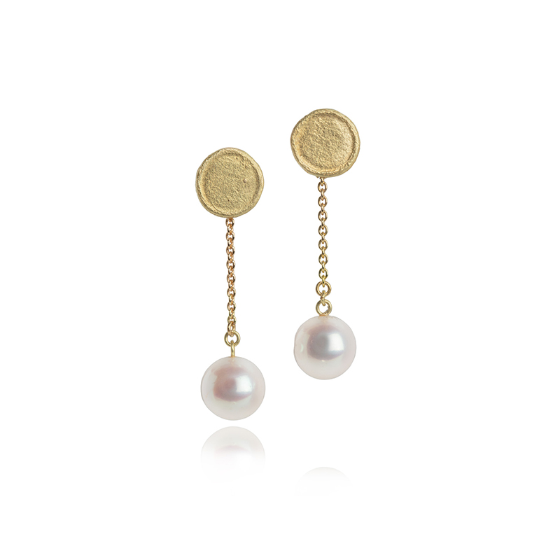Freshwater pearl earrings with 18ct gold chain