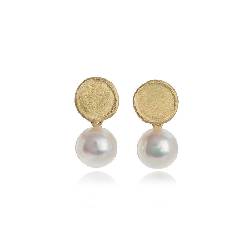 Freshwater pearl stud earrings with gold matt textured upper