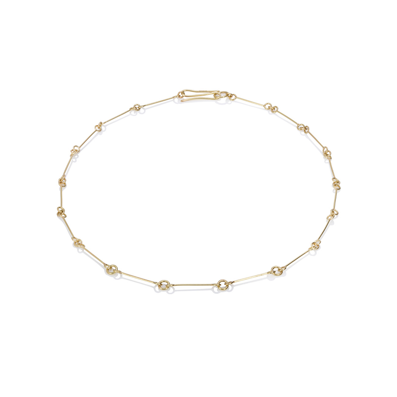 A link and loop gold chain necklace with S-shaped clasp